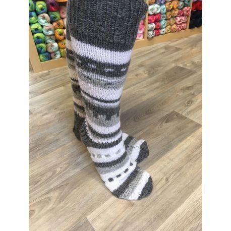 Podkolenky ručně pleteny - bílo černé vyplétané